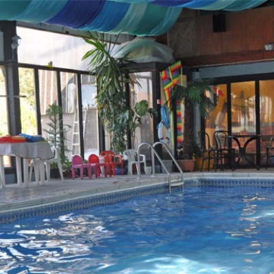 Indoor heated pool (seasonal)