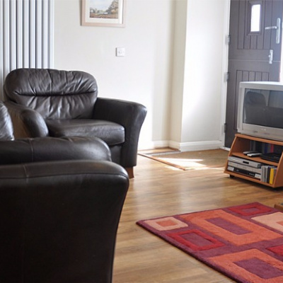 Sitting room with Next leather sofa