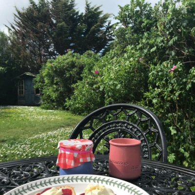 Use of garden with table and chairs
