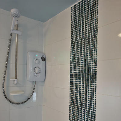 Electric Shower (over bath)