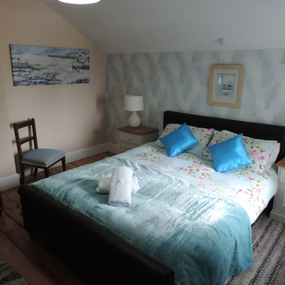 Blue Room, King size bed