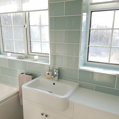 Contemporary, relaxing bathroom