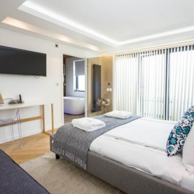 Light, bright and comfortable rooms